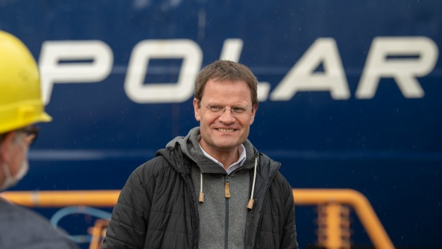 Polarstern Returns From One Year In The Arctic