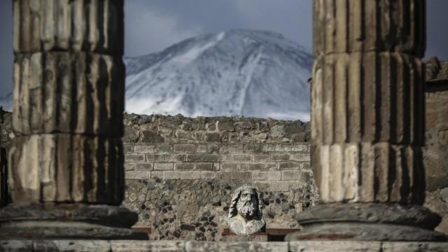 Schnee auf dem Vesuv
