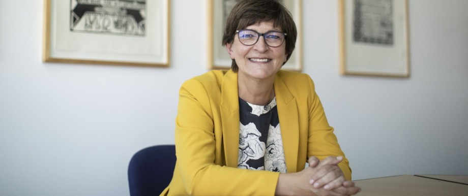 Deutschland, Berlin, Willy-Brandt-Haus, Interview mit der SPD Vorsitzenden Saskia Esken, 12.08.2020 *** Germany, Berlin,