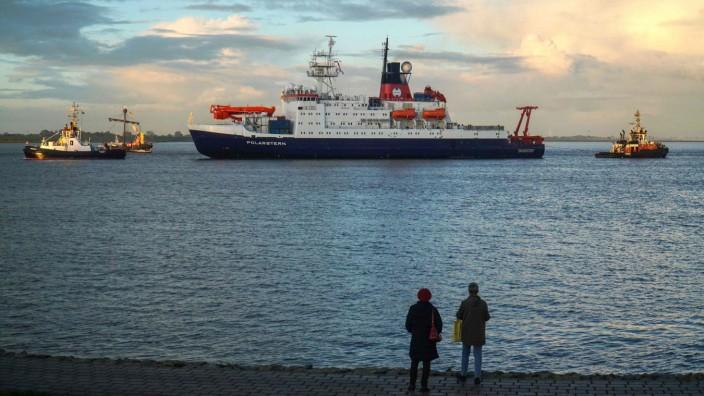 """Rückkehr der """"Polarstern"""": Die Polarstern kehrt nach einem Jahr zurück nach Bremerhaven."""