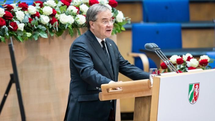 Staatsakt für den verstorbenen Ministerpräsidenten Clement
