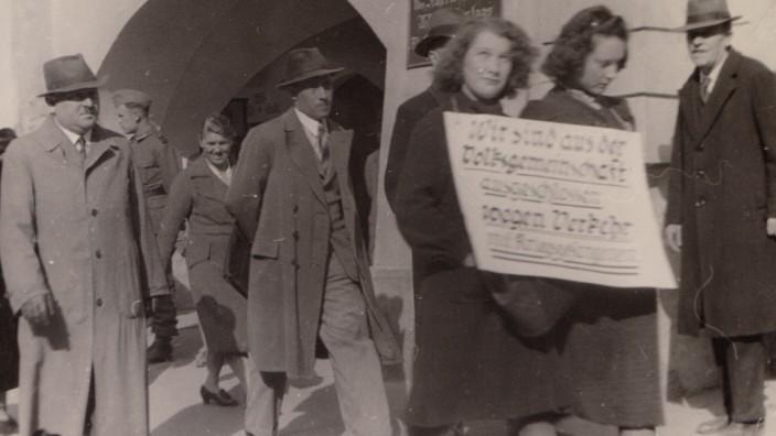 Geschichte: Kriminalbeamte begleiten den Spießrutenlauf von Anna Scharf und Freundin.