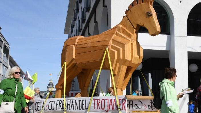 Demo gegen Freihandelsabkommen Ceta