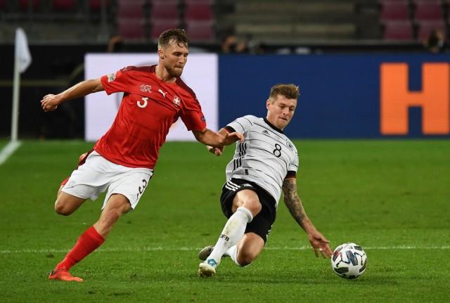 13.10.2020, xjhx, Fussball UEFA Nations League, Deutschland - Schweiz emspor, v.l. Silvan Widmer (Schweiz), Toni Kroos