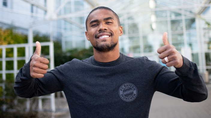 Newly Signed FC Bayern Muenchen Player Douglas Costa Arrives in Munich