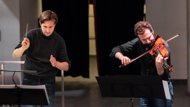 Klassik: Die Koordinatoren der Eruption: Dirigent Clemens Schuldt und Solist Ilya Gringolt.