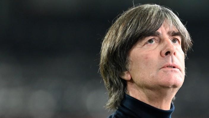 Nationalmannschaft: Bundestrainer Joachim Löw beim Spiel Deutschland gegen Schweiz