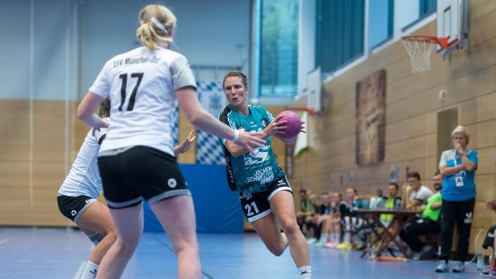 Handball, Landesliga Süd, Damen, Saison 2019/2020, HT München - TSV München Ost Im Bild Saskia PUTZKE (HT München, 21) u; Handball Saskia Putzke