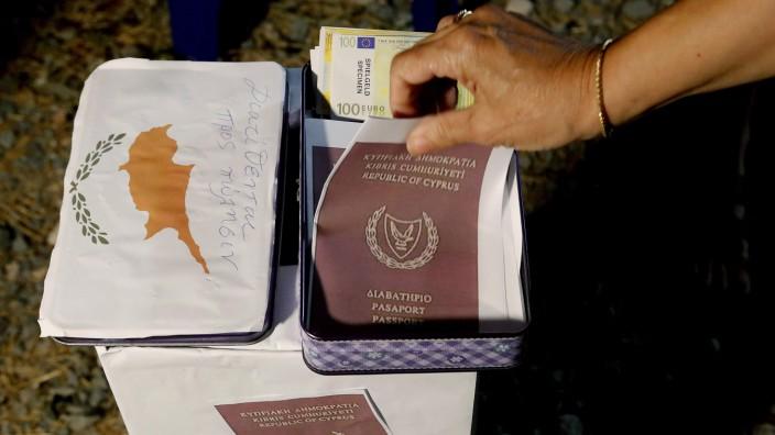 Zypern: Die Vergabe von Staatsbürgerschaften soll ab 1. November ausgesetzt werden.