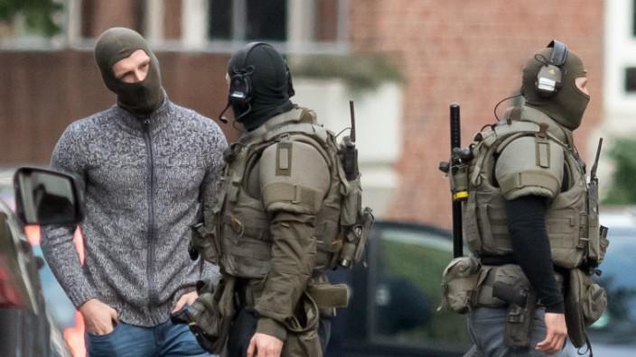 Geiselnahme in JVA Münster: Einsatzkräfte vor dem Gefängnis