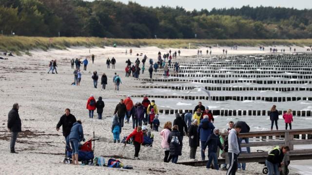 Herbstwetter an der Ostsee - Reisen ist kein Infektionstreiber mehr.