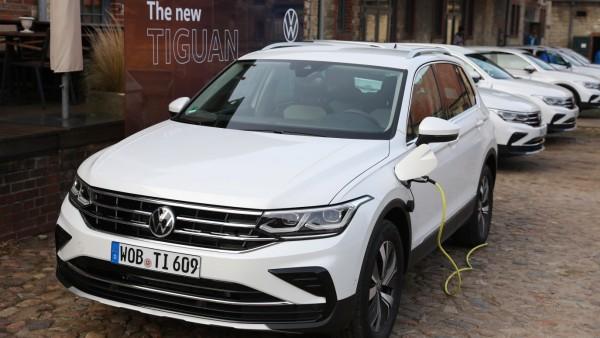 Wolfsburg Niedersachsen Wolfsburg, 02.10.2020, Nordsteimke: Auf dem Rittergut wurde der neue VW Tiguan präsentiert. ***
