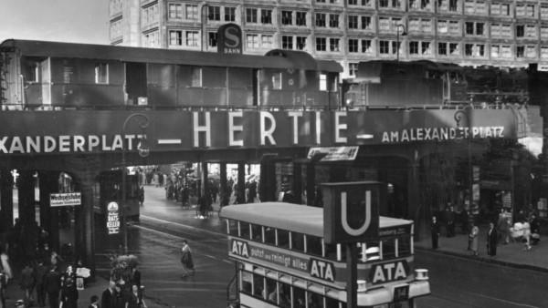 Berlin Alexanderplatz, 1935