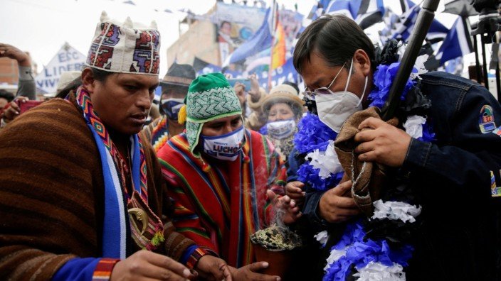 FILE PHOTO: Supporters of the MAS party attend a closing campaign rally in El Alto