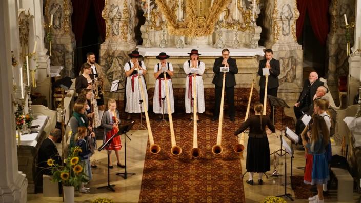 Volksmusik ohne Gesang am Kirchweihsonntag