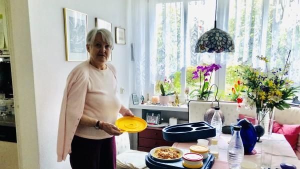 SZ-Adventskalender, Essen auf Rädern, Nachbarschaftshilfe