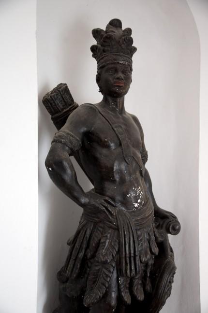FREISING:  Domberg - Kardinal-Döpfner-Haus / Barock-Skulptur FREISINGER MOHR