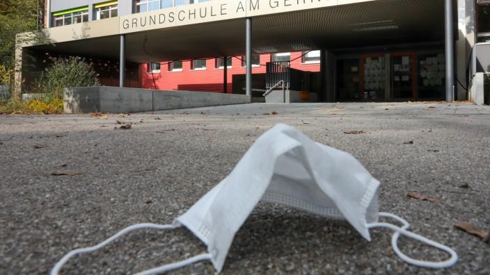 PUCHHEIM:  Der Haupteingang der Grundschule am Gernerplatz