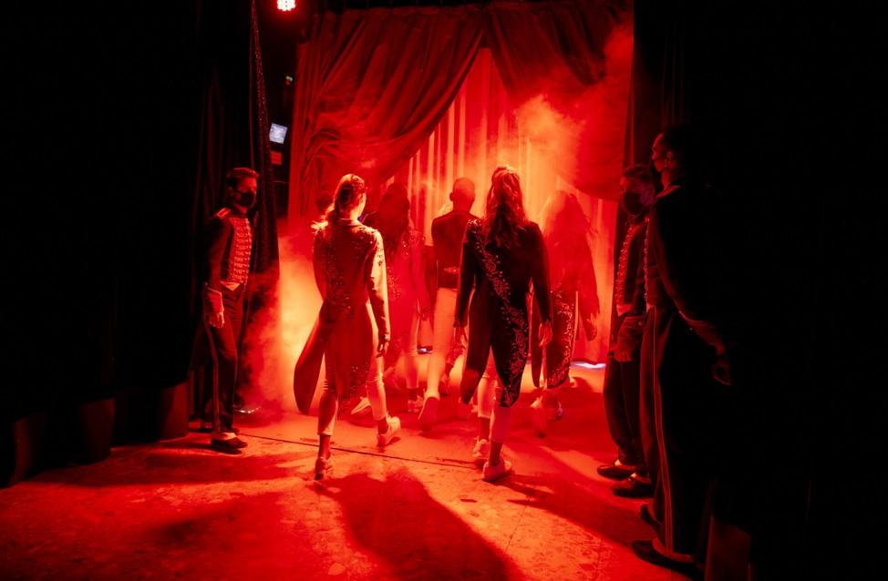 Mustn't The Show Go On? Paris's Historic Cirque d'Hiver Adapts Amid Covid-19 Surge