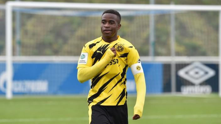 Jubel Youssoufa Moukoko (Borussia Dortmund) 18.10.2020, Fussball GER, Saison 2020 2021, U19 Bundesliga West, 3. Spielta; Moukoko