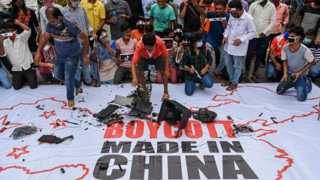 Indien: Boykottaufruf chinesischer Produkte in Kalkutta im Juni 2020