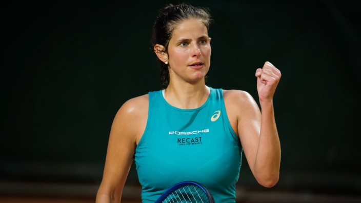 September 29, 2020, Paris, FRANCE: Julia Goerges of Germany in action during the first round at the 2020 Roland Garros G; Görges