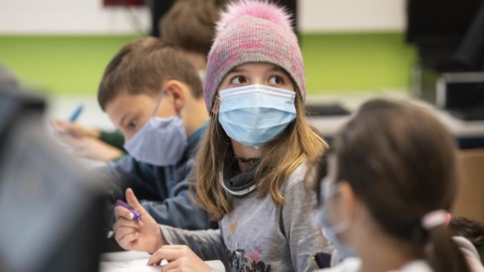 Coronavirus - Schulunterricht mit Masken