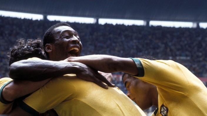 Pelé bei der Fußball-Weltmeisterschaft 1970 in Mexiko