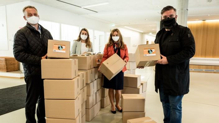 NEUFAHRN: Maskenspende an GEMEINDE / Grundschule am Fürholzer Weg