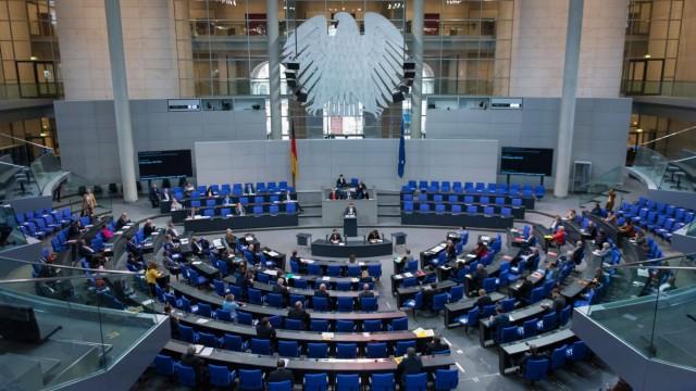 Berlin, Plenarsitzung im Bundestag Deutschland, Berlin - 08.10.2020: Im Bild ist der Plenarsaal während der Sitzung des
