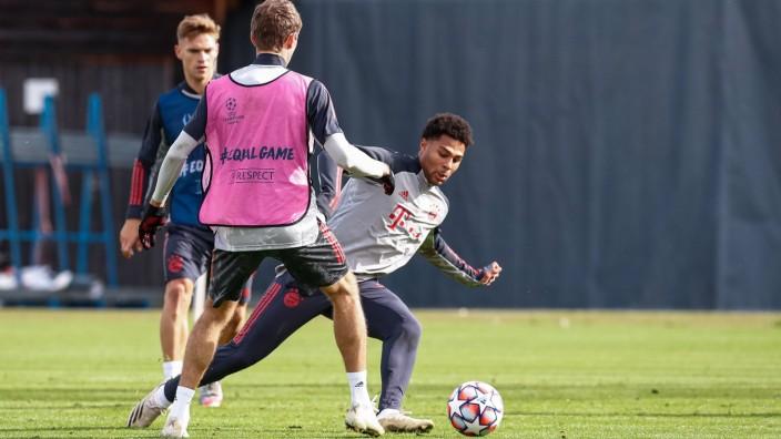 FC Bayern: Serge Gnabry, Thomas Müller und Joshua Kimmich im Training