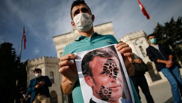 Proteste gegen französischen Staatschef Macron