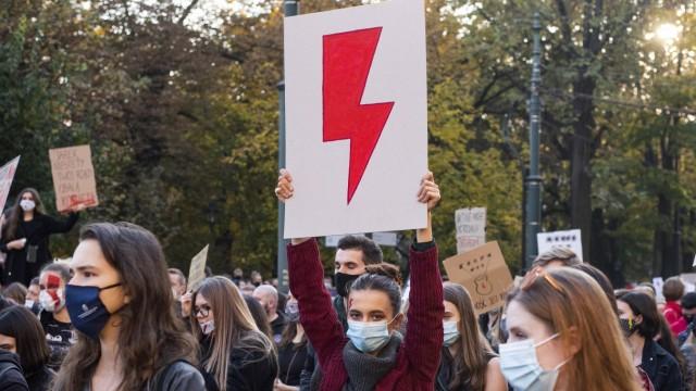 Polen: Frauen protestieren gegen das geplante Abtreibungsverbot
