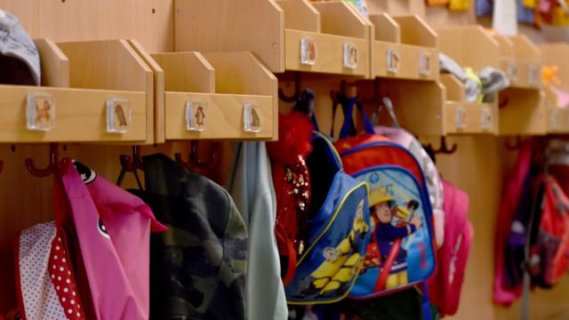 Bund will Schulen, Kindergärten und Einzelhandel offen halten