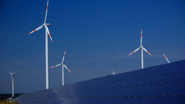 Strom aus Wind und Sonne