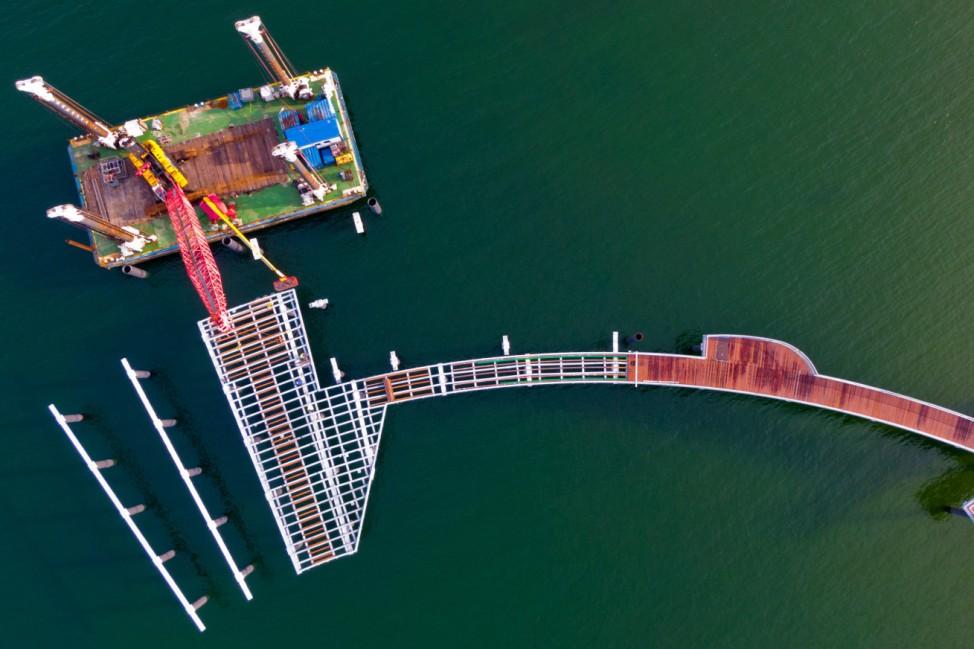 Bauarbeiten an neuer Seebrücke