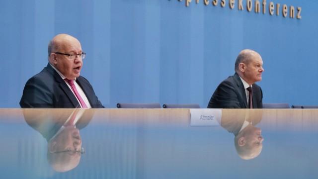 Olaf Scholz und Peter Altmaier bei einer Pressekonferenz im Oktober 2020