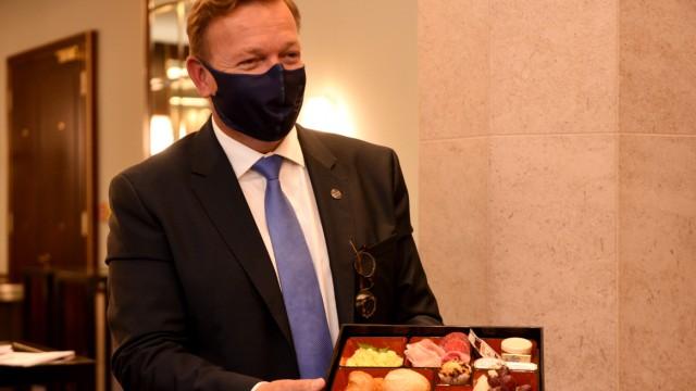 West in Grand Hotel in München bereitet sich auf Wiederöffnung nach Lockerungen in der Corona-Krise vor, 2020