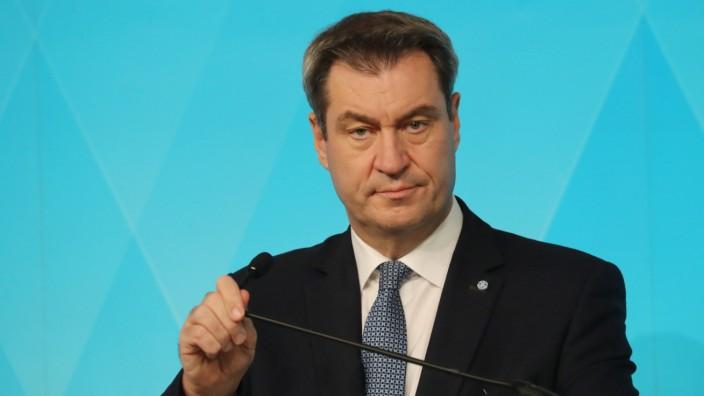 Pressekonferenz von Markus Söder zum Thema verschärfte Corona Massnahmen Ministerpräsident Dr. Markus Söder während der
