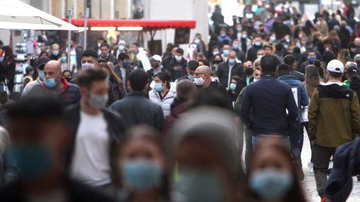 Coronavirus in Deutschland: Fußgängerzone in München während der Pandemie