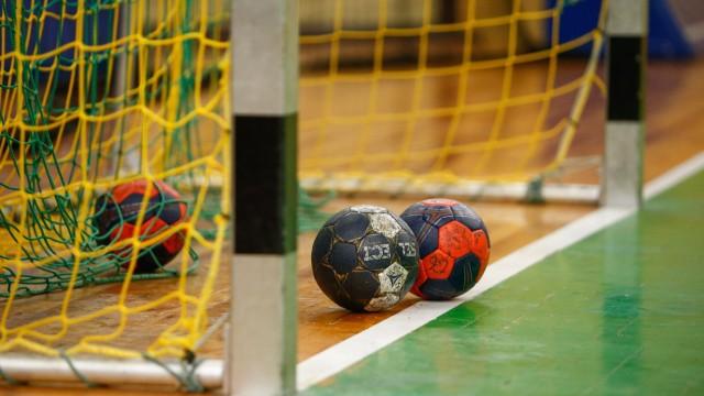 28.08.2020, xtgx, Handball 3. Liga, SC Magdeburg II Training emspor, v.l. Symbolfoto, Symbolbild, Symbol, Handball, Ball; Handbälle