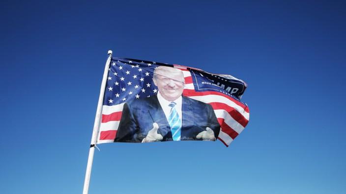 Battleground State Of Iowa Prepares For Election Day