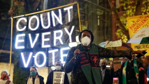 US-Wahl 2020: Proteste für die Stimmenauszählung in Seattle
