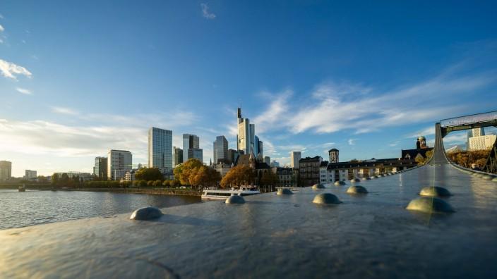 Deutschland - Frankfurt - 02.11.2020 / in Zeiten von Corona / Impressionen aus Frankfurt / zweiten Lockdown - Frankfurt