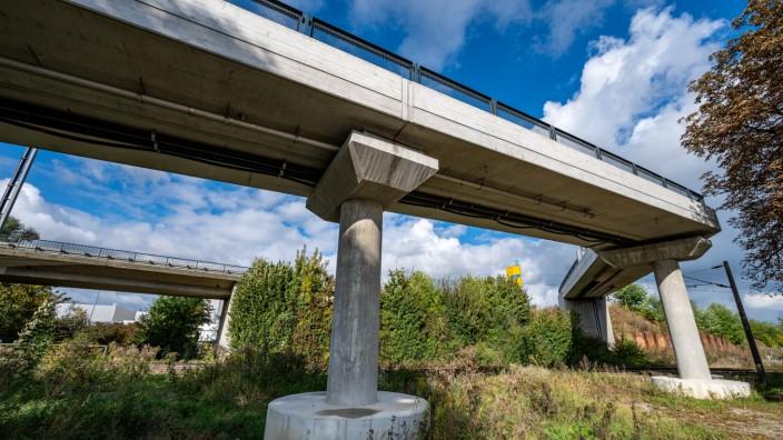 Kaputte 900.000-Euro-Fahrradbrücke in Dingolfing