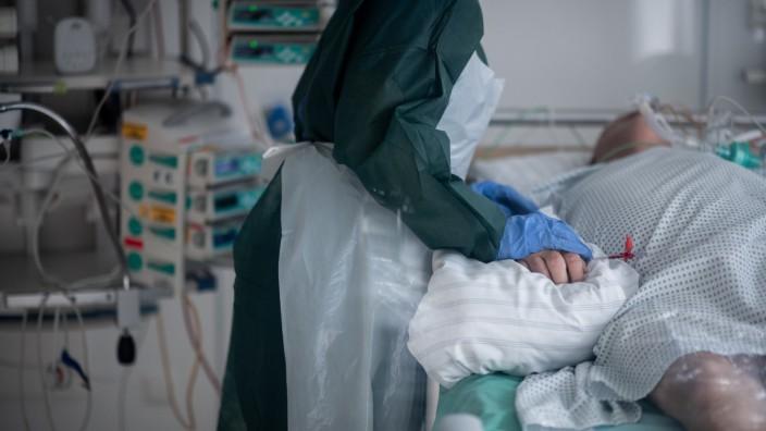 Coronavirus in Deutschland: Intensivstation des Universitätsklinikum Essen