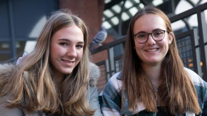 Jugendliche während Corona-Zeit, Logdown und Allerheiligenferien/Herbstferien