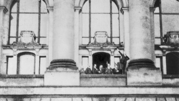 Philipp Scheidemann ruft die Republik aus, 1918