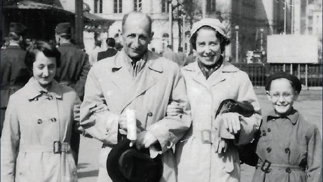 Familie Mühlstein: Tochter Eva, Robert mit Frau Margarete und Sohn Jan ca. 1960