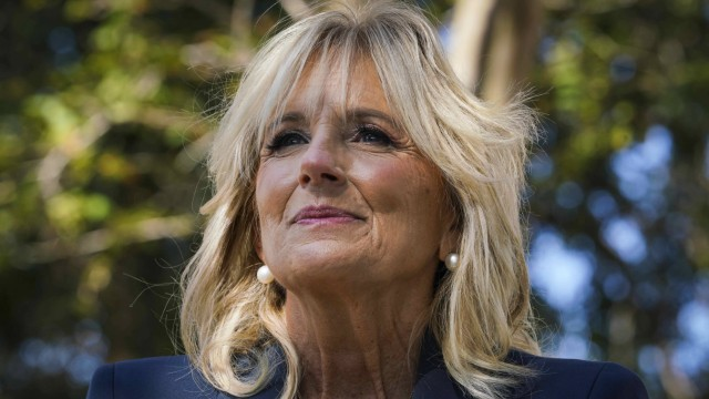 November 3, 2020, St. Petersburg, Florida, USA: Dr. Jill Biden speaks to reporters during a campaign stop at the Thomas